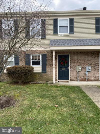 19 COVENTRY CT, BLUE BELL, PA 19422 - Photo 1