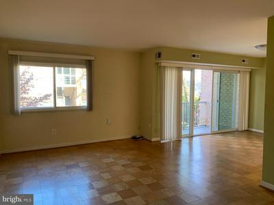 2908 KINGS CHAPEL RD APT 8, FALLS CHURCH, VA 22042 - Photo 2