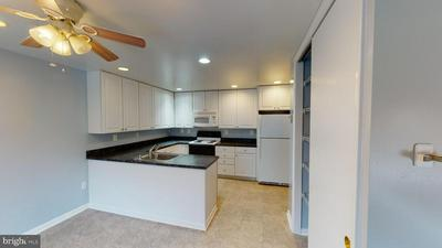 9719 SUMMER PARK CT, COLUMBIA, MD 21046 - Photo 2