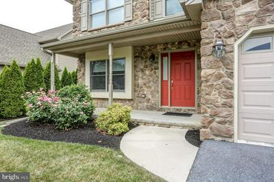 106 HILLTOP CT, CAMP HILL, PA 17011 - Photo 2
