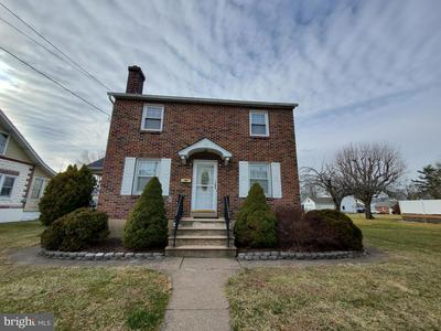40 S 7TH ST, QUAKERTOWN, PA 18951 - Photo 1