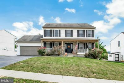 435 SILVER MAPLE CT, MOUNT WOLF, PA 17347 - Photo 2