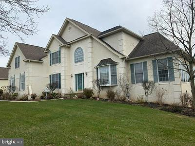 680 WILLOWBEND DR, BLUE BELL, PA 19422 - Photo 1