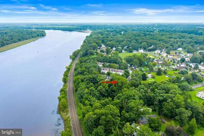 202 RIVER CT, FIELDSBORO, NJ 08505 - Photo 2