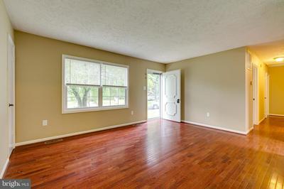9625 BRANCHVIEW CT, MANASSAS, VA 20110 - Photo 2