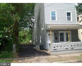221 BROAD ST, BEVERLY, NJ 08010 - Photo 1