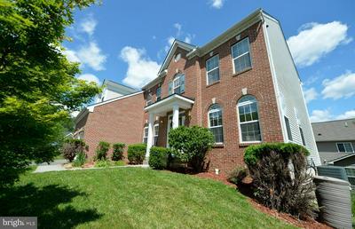35504 COLLINGTON DR, Round Hill, VA 20141 - Photo 2