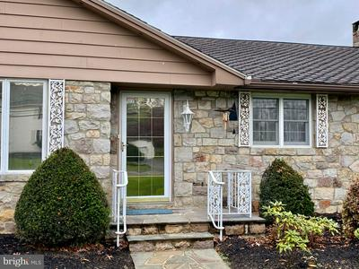 336 SNYDER RD, READING, PA 19605 - Photo 2