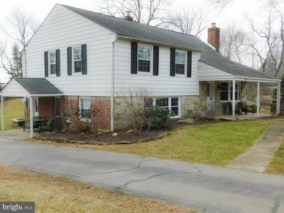 672 DEAVER DR, BLUE BELL, PA 19422 - Photo 1