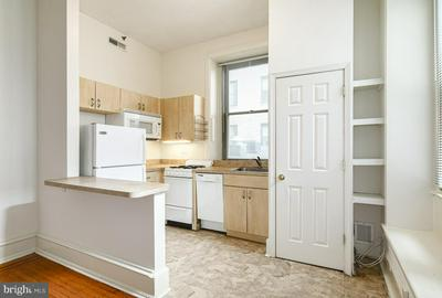 1530 SPRUCE ST APT 223, PHILADELPHIA, PA 19102 - Photo 2