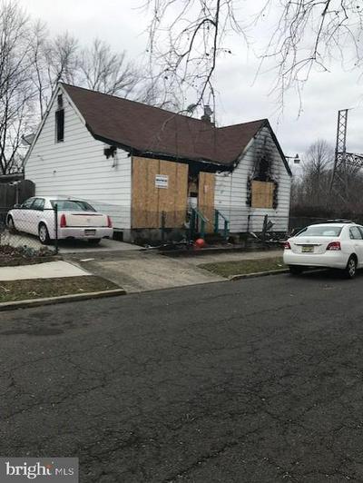 84 AMBOY AVE, ROEBLING, NJ 08554 - Photo 1