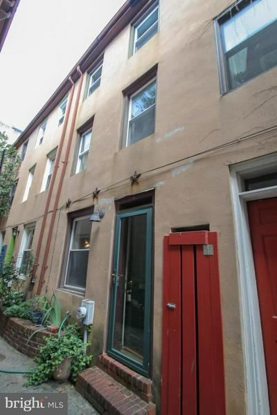 802 S 6TH ST REAR 8, PHILADELPHIA, PA 19147 - Photo 1