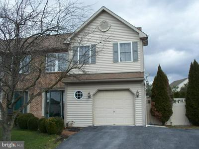 1017 PARKWAY DR, READING, PA 19605 - Photo 1