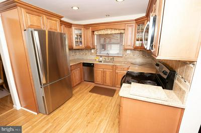 20 CRESTVIEW DR, WILLINGBORO, NJ 08046 - Photo 2