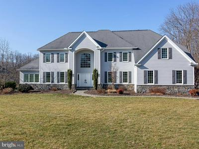 102 DANSFIELD LN, CHADDS FORD, PA 19317 - Photo 1
