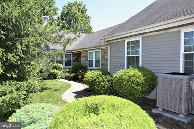6 MARTIN VAN BUREN DR, MONROE TOWNSHIP, NJ 08831 - Photo 2