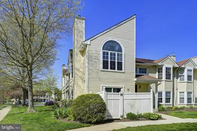 3 HUBER CT, HIGHTSTOWN, NJ 08520 - Photo 2
