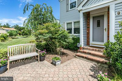 9 DUBOIS ROUND, HILLSBOROUGH, NJ 08844 - Photo 2