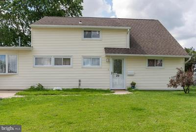 29 GRAND PINE RD, LEVITTOWN, PA 19057 - Photo 1