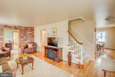 520 N HILLTOP AVE, SOMERDALE, NJ 08083 - Photo 2