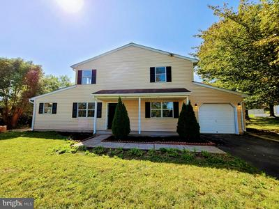 209 PARKRIDGE DR, PERKASIE, PA 18944 - Photo 1