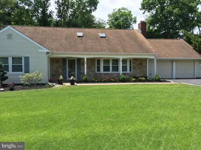 19 TUNNELL RD, SOMERSET, NJ 08873 - Photo 1