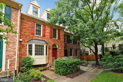 9 ENGLISHMAN CT # 157, NORTH BETHESDA, MD 20852 - Photo 1