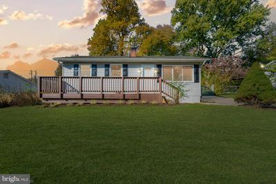 202 SYCAMORE ST, MIDDLEBURG, VA 20117 - Photo 2