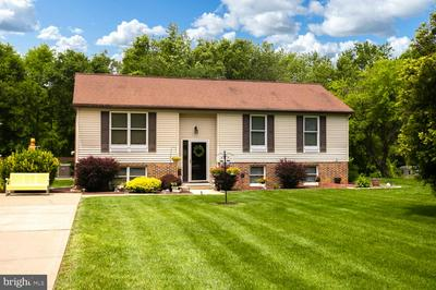 13 CARLYLE DR, WRIGHTSTOWN, NJ 08562 - Photo 1