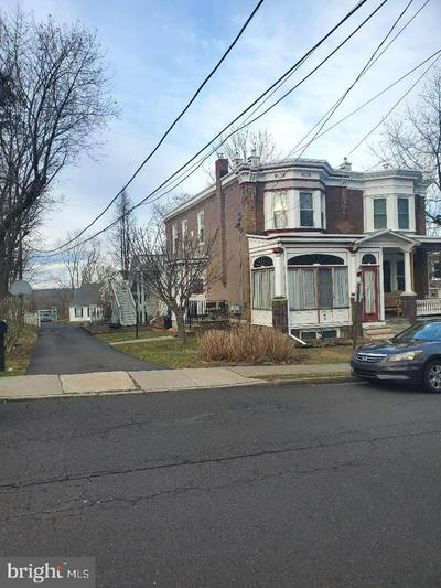 30 W COLLEGE AVE, YARDLEY, PA 19067 - Photo 2