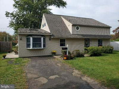 65 IVY HILL RD, LEVITTOWN, PA 19057 - Photo 1