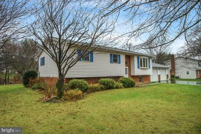3805 KENTON LN, HARRISBURG, PA 17110 - Photo 2