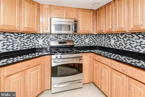 2220 FAIRFAX DR APT 811, ARLINGTON, VA 22201 - Photo 2