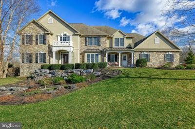 104 TURTLE HOLLOW DR, LEWISBERRY, PA 17339 - Photo 1