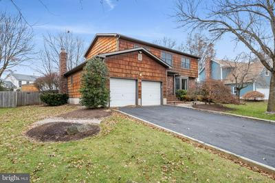 64 BEECHWOOD CIR, HILLSBOROUGH, NJ 08844 - Photo 2
