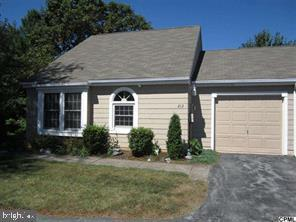 213 CRESCENT DR, HERSHEY, PA 17033 - Photo 1