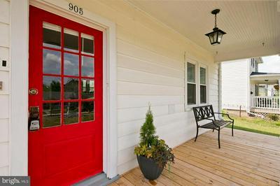 905 WOODLAND AVE, WINCHESTER, VA 22601 - Photo 2