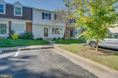 8620 WATERSHED CT, GAITHERSBURG, MD 20877 - Photo 2