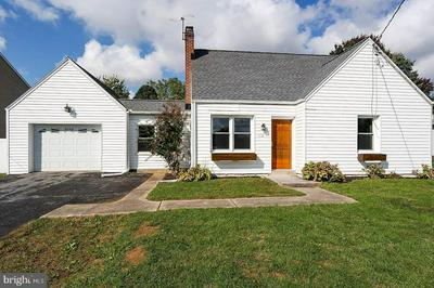 112 COLEBROOK RD, ELIZABETHTOWN, PA 17022 - Photo 2