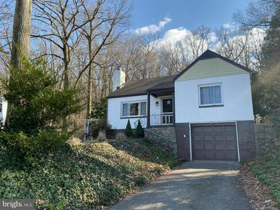 2540 FAIRVIEW AVE, READING, PA 19606 - Photo 1