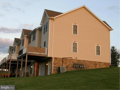 331 GRANDVIEW AVE, Waynesboro, PA 17268 - Photo 2