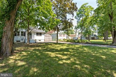 904 MEADOW AVE, BALTIMORE, MD 21222 - Photo 2