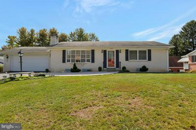 13422 WINDSOR DR, HAGERSTOWN, MD 21742 - Photo 1