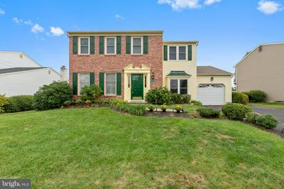 10 HEDGEROW DR, FAIRLESS HILLS, PA 19030 - Photo 2