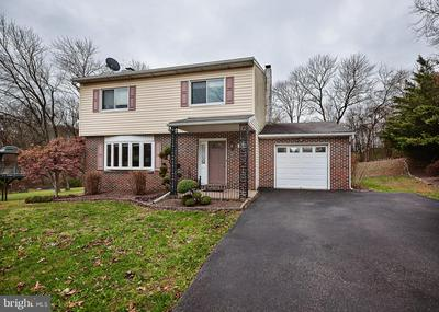 657 TANGLEWOOD CT, POTTSTOWN, PA 19464 - Photo 1