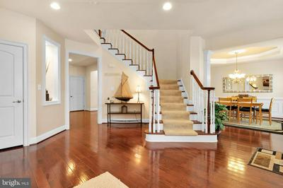 42562 PINE FOREST DR, CHANTILLY, VA 20152 - Photo 2