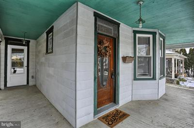 870 TULPEHOCKEN RD, MYERSTOWN, PA 17067 - Photo 2