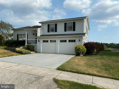 558 CLERMONT DR, Harrisburg, PA 17112 - Photo 2