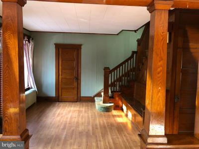 1612 W MARKET ST, POTTSVILLE, PA 17901 - Photo 2