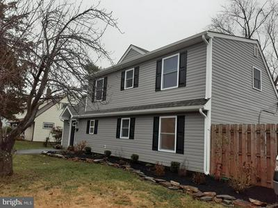 28 INLET RD, LEVITTOWN, PA 19057 - Photo 2